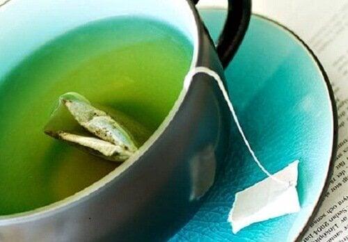 Kilo Vermek İçin Bu 3 Yeşil Çaylı İçeceği Hazırlayın