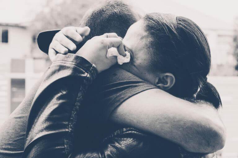 mutsuz ilişkiye devam etmek