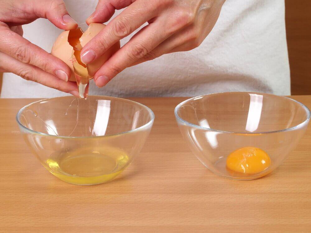 yumurtanın sarısı ve beyazı