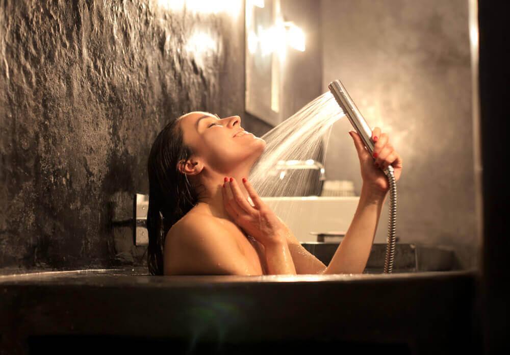 kasılması için sıcak duş