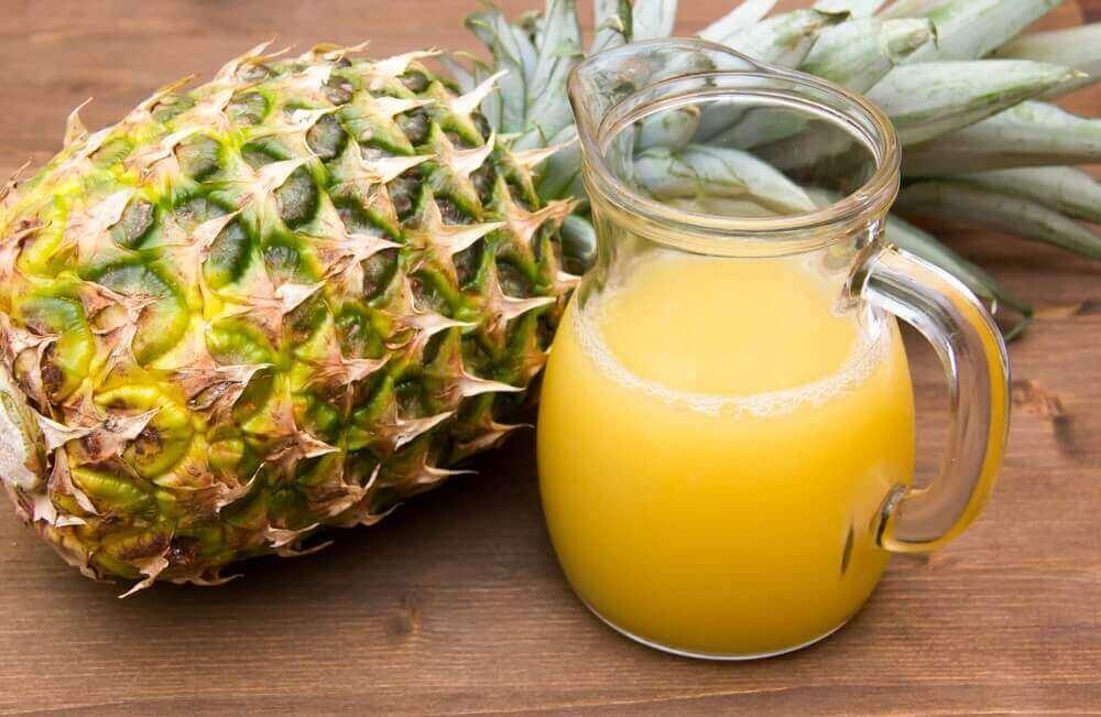 şişede ananas suyu