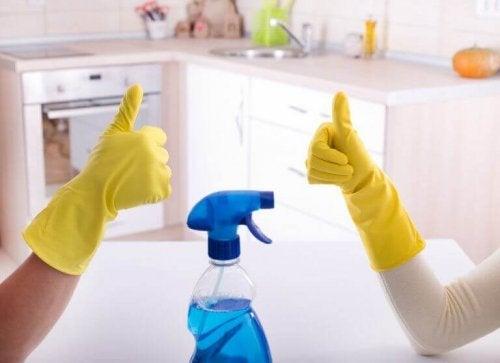 Banyoyu Dezenfekte Etmek İçin En İyi Yollar