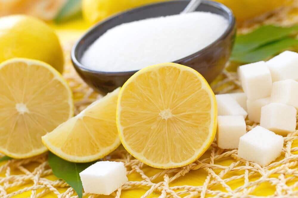 limon ve şekerle hazırlanan peeling
