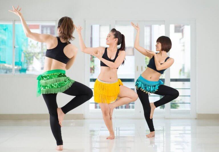 oryantal dans eden insanlar