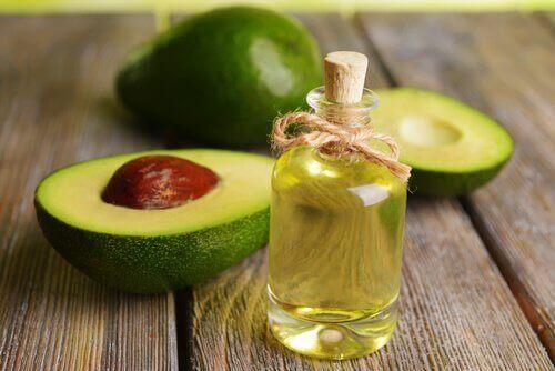 avokado meyvesi ve yağı
