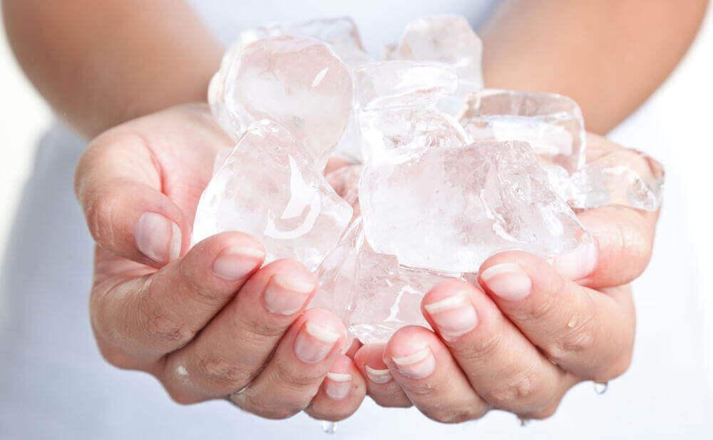 bir avuç buz
