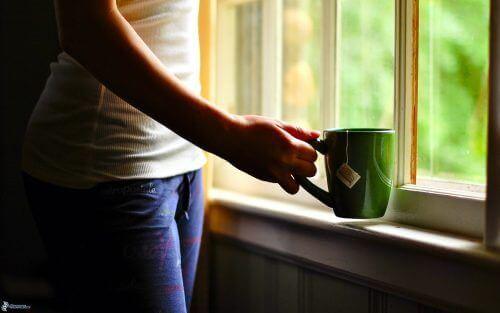Çay İçmek Kadınlar İçin Kanserle Savaşmada Etkili!
