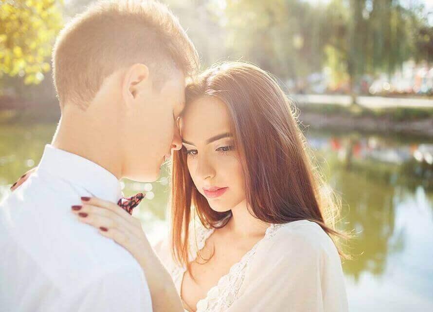 Yaptığımız Hatalar: İlişkisi Olan Birine Aşık Olmak