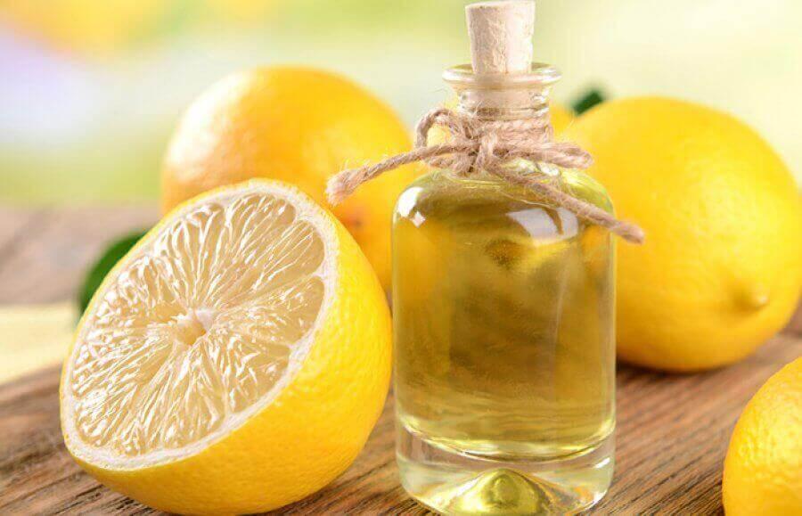limonlar ve şişede yağ