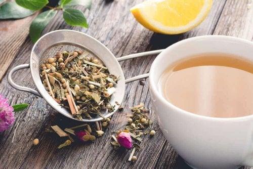 Rezenenin Faydaları Ve Kilo Vermeye Yardımcı Olan 3 Rezene Çayı Tarifi