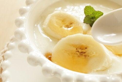 forma girmenize yardımcı yoğurt
