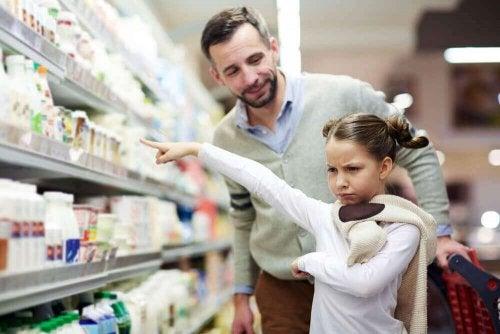 """""""Zengin Çocuk Sendromu"""": Ebeveynlik Kaynaklı Zihniyet"""