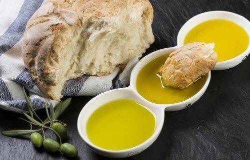 zeytinyağı ve ekmek