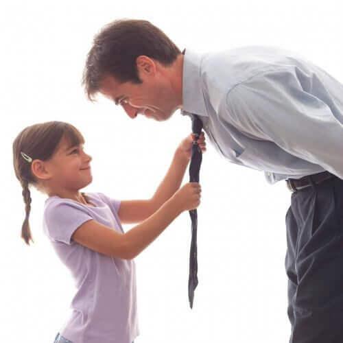 işten önce kızı ile ilgilenen baba
