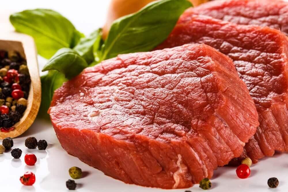 kırmızı et dilimleri