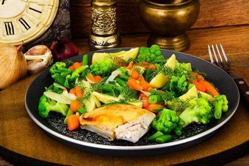 Buharda Pişmiş Sebzeler ile İyi Giden İki Tarif