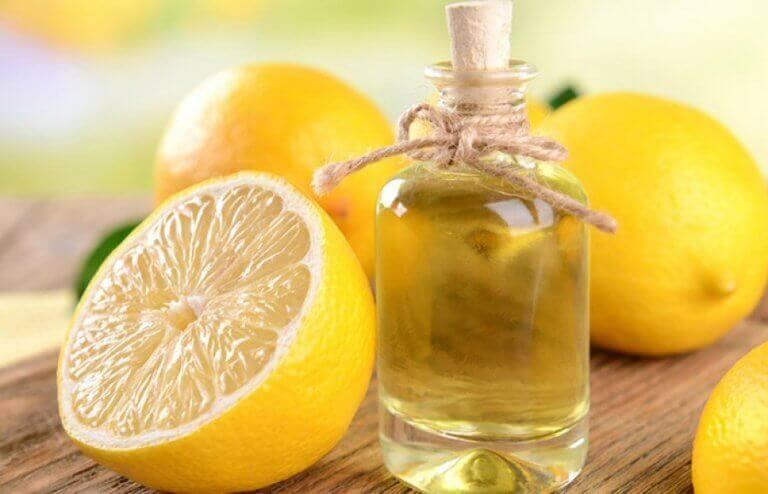 Limon Esansiyel Yağı Yapmanın 2 Yolu