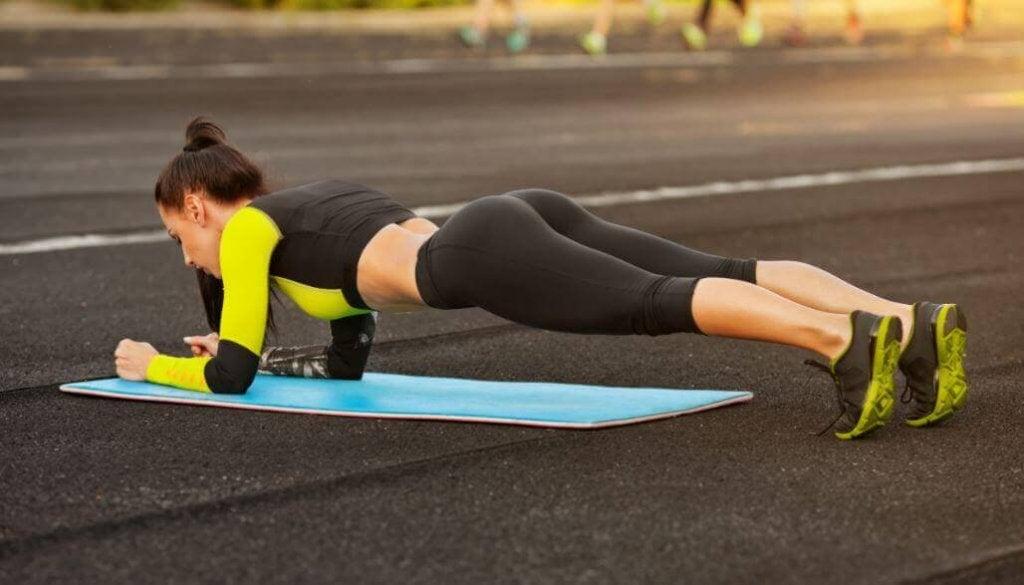 Evde Yapılabilecek Vücut Şekillendirici 5 Basit Egzersiz