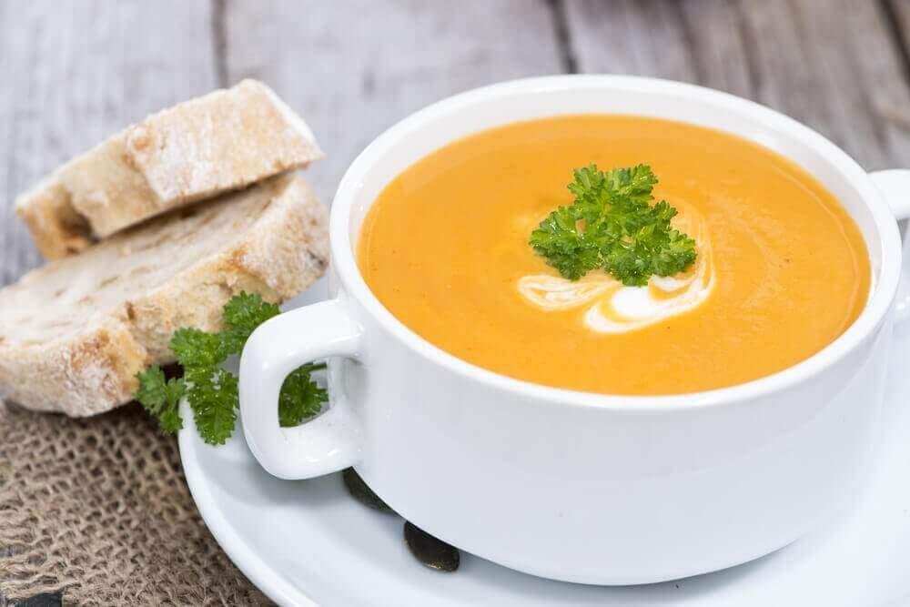 vegan balkabağı çorbası tarifleri