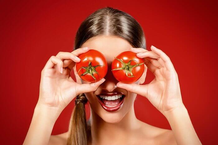 domates bakan kadın