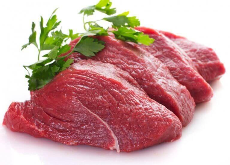 çiğ kırmızı et