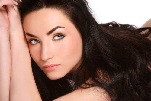 Saçlarınızın Daha Hızlı Uzamasını Mı İstiyorsunuz? Bu Doğal Yöntemleri Deneyin