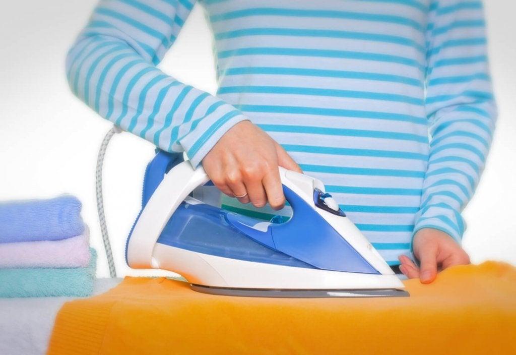 Ütü Temizliği İçin Etkili ve Kolay İpuçları