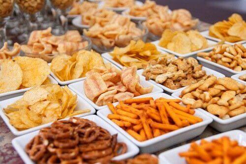 yağlı ve baharatlı yiyecekler