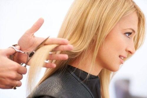 saçını kestiren kadın