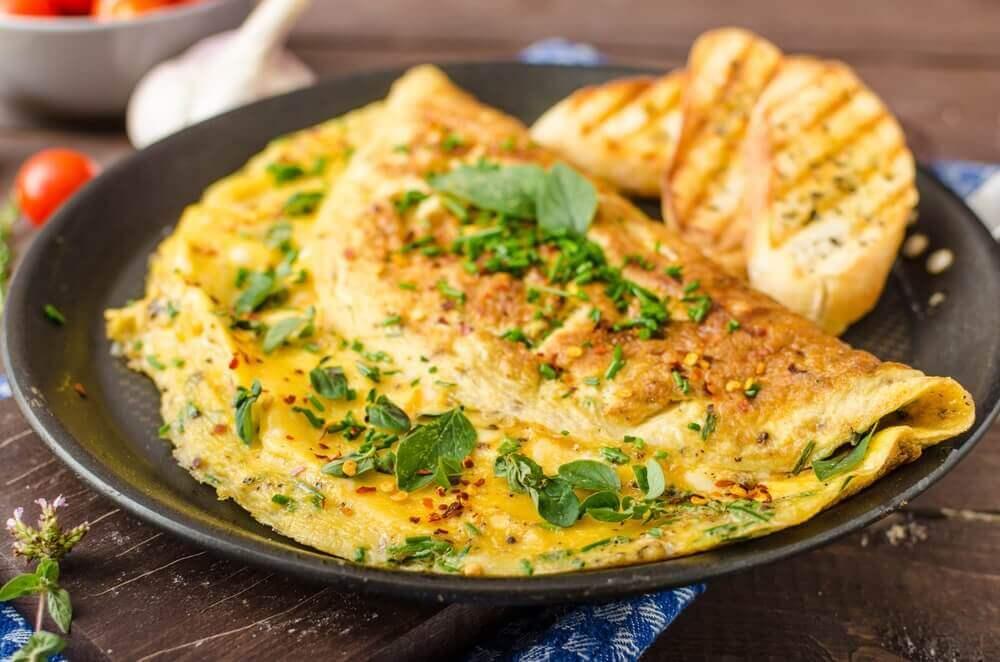 bir tabak otlu omlet