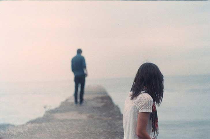 adam ve kadın ayrılık yolunda