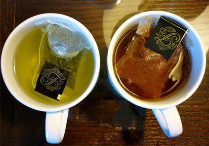yeşil ve siyah çay