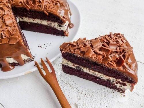 ceviz ve bademli çikolatalı pasta