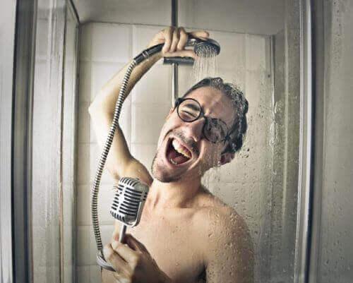 Duş Alırken Yaptığımız Hatalar Nelerdir?