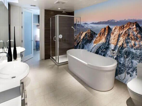 duvarı manzara kaplamalı banyo