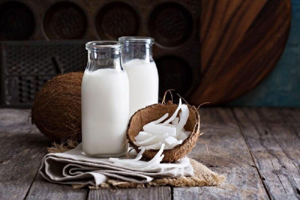 Hindistan cevizi ve sütü