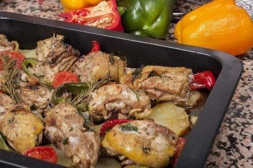 Fırında Patatesli ve Havuçlu Tavuk Yapmak İçin Lezzetli Tarifler