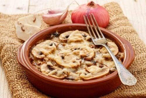 Güveçte Mantar Tarifi: Leziz Bir Akşam Yemeği Seçeneği