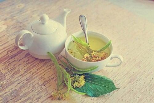 ıhlamur çiçeği çayı