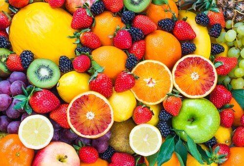 Sağlıklı Bir Şekilde Kilo Vermek için Etkili Meyveler