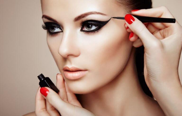 7 Makyaj Hilesi: Harika Bir Görünüş İçin Deneyin