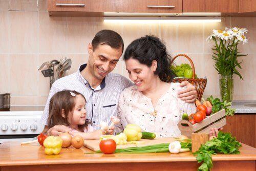 mutlu aile ve sebzeler
