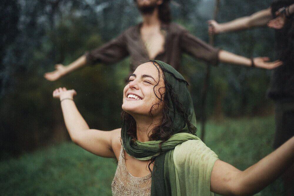 bağımsız ve mutlu insan