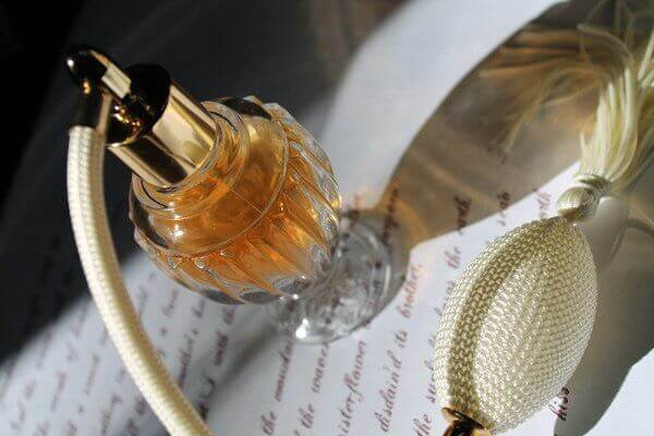 Eski Parfüm Şişeleri İle Yapabileceğiniz 4 Şey