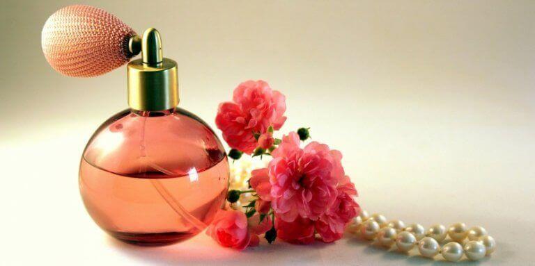 pembe parfüm