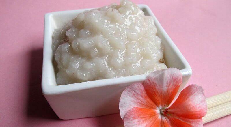 Cildi Temizlemek için Pirinç Kullanmanın 2 Yolu