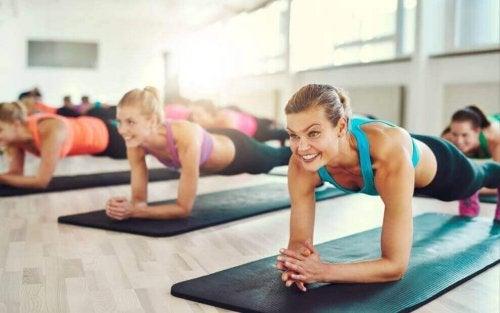 Plank Yapmak: Mükemmel bir Karın İçin Deneyin