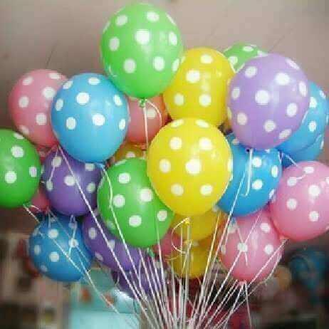 puantiyeli renkli balonlar