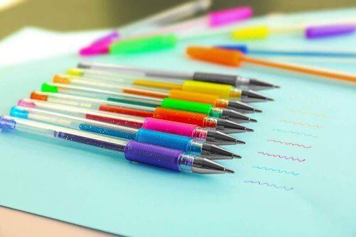renkli tükenmez kalemler
