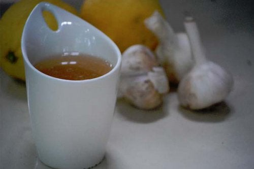 kas ağrısı için sarımsaklı çay